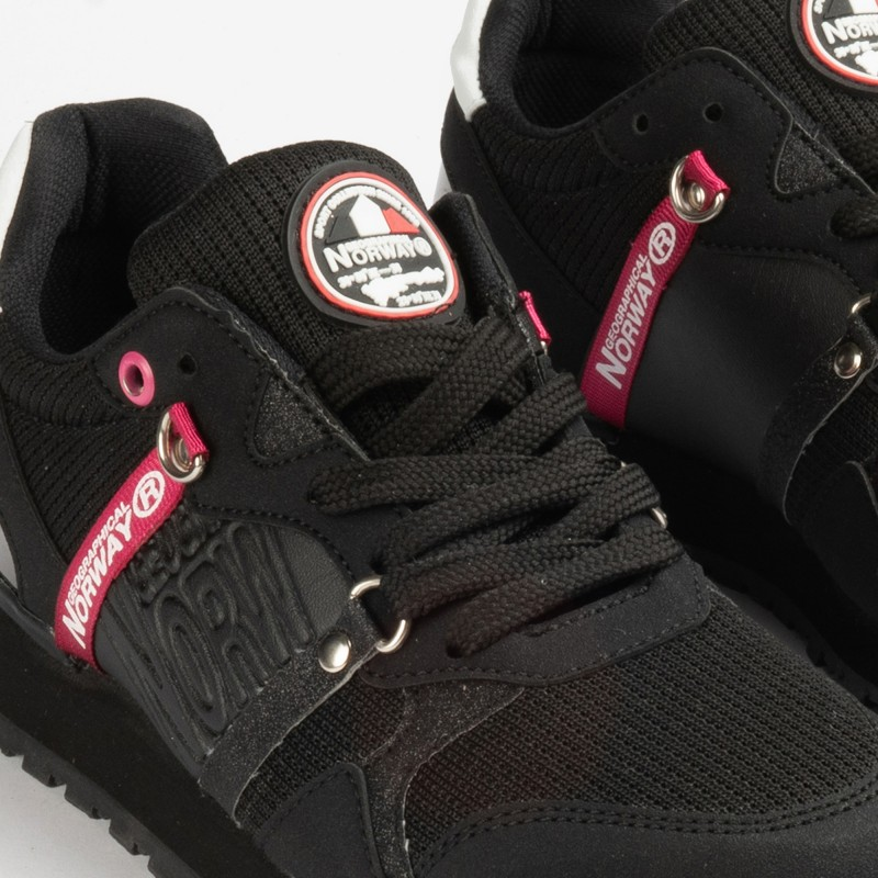 CASUAL SNEAKERS FOR WOMEN